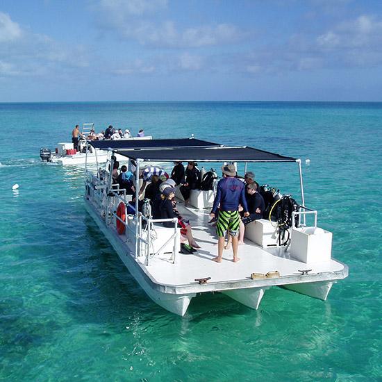 scuba-boat